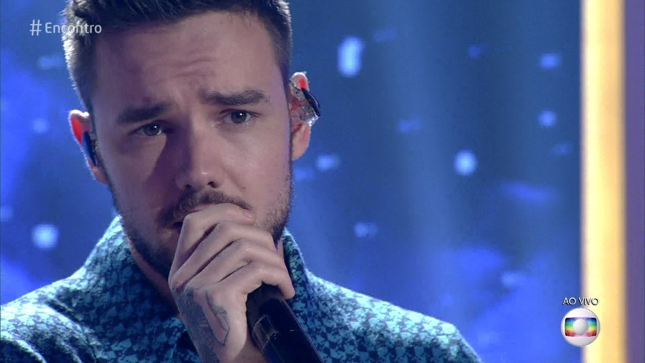 Liam Payne canta 'Bedroom Floor'