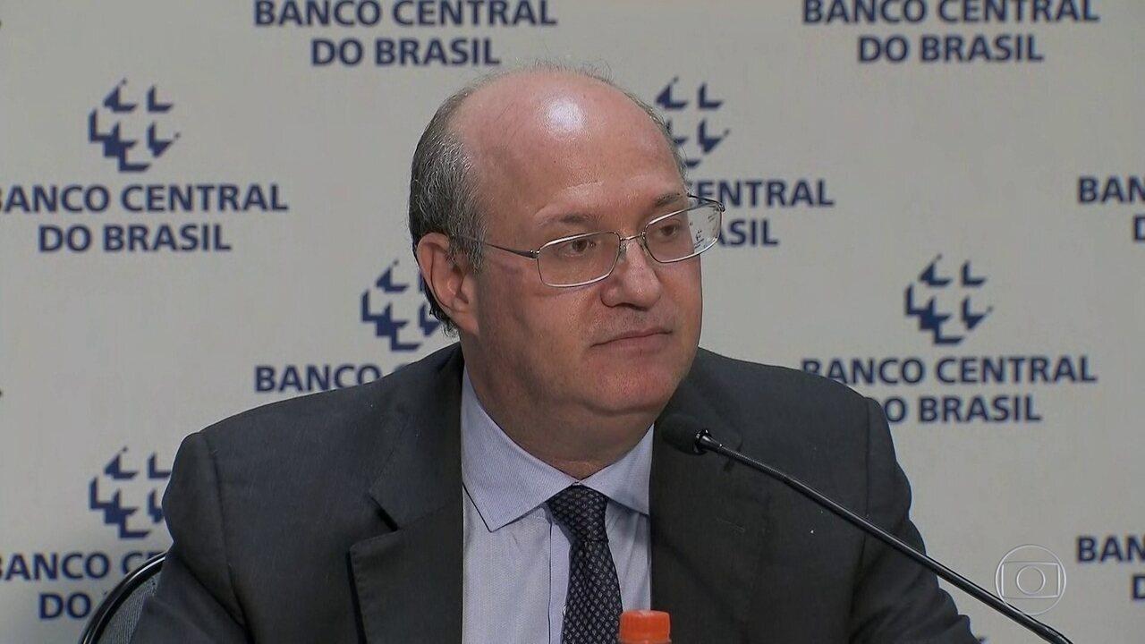 Presidente do BC diz que tem instrumentos para conter pressão no câmbio