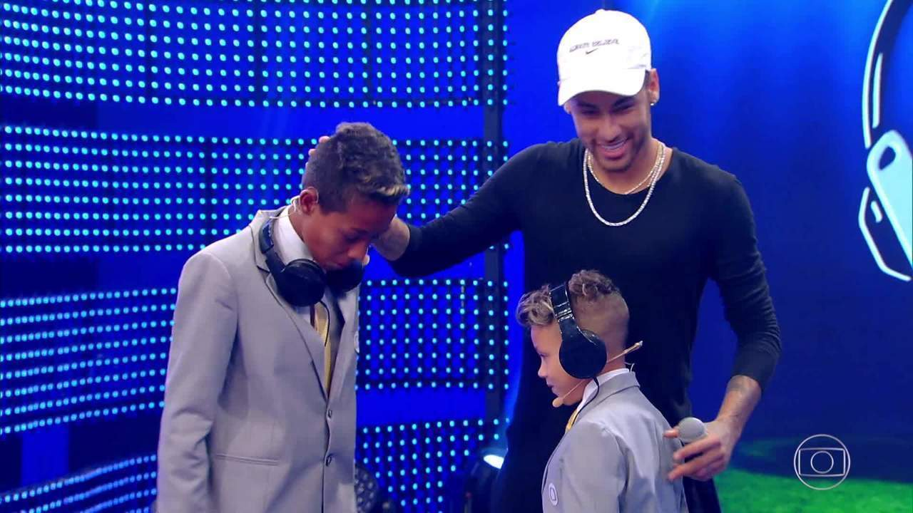 'Pequenos Narradores': Neymar surpreende crianças durante o concurso