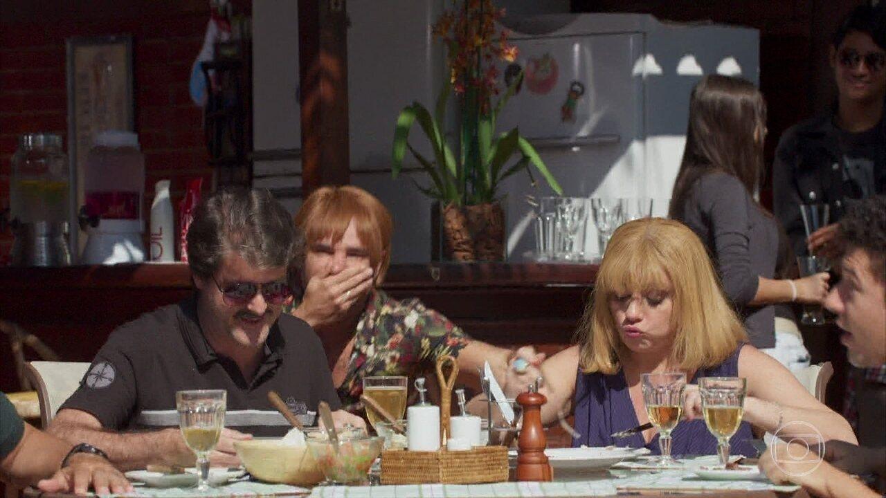 Revelação Bombástica no Almoço