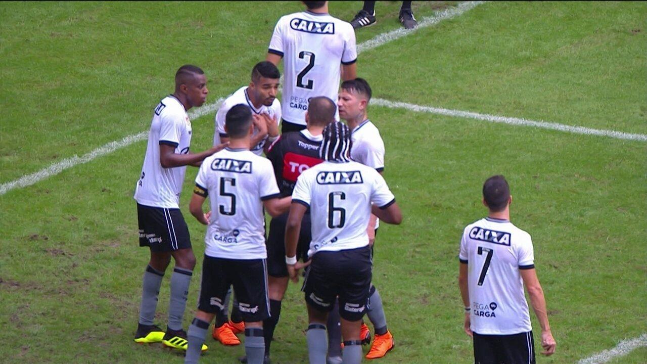Comentaristas falam sobre reação de Aguirre, do Bota, após ser expulso contra o Bahia