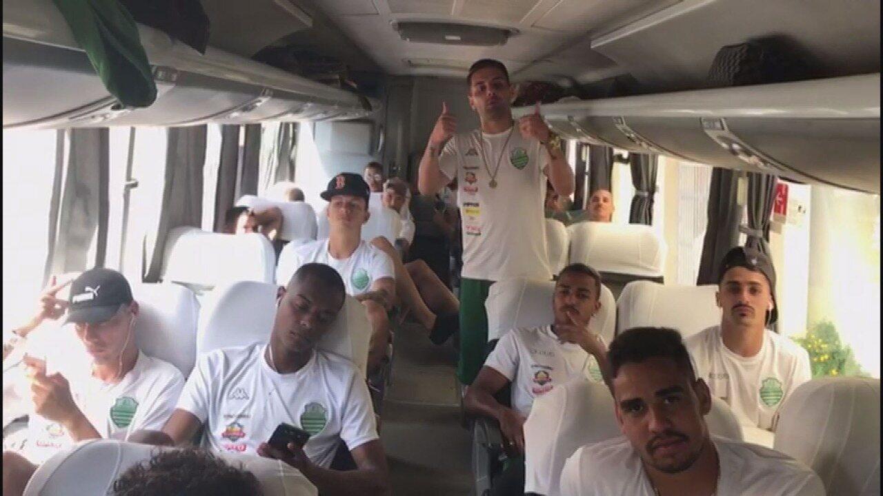 Jogadores da Francana convocam a torcida para o jogo contra o São-Carlense