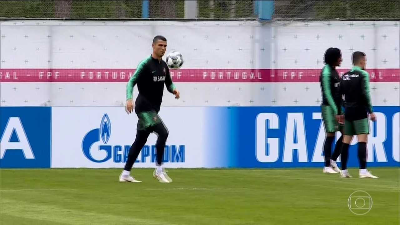Cristiano Ronaldo treina em complexo desportivo na Rússia