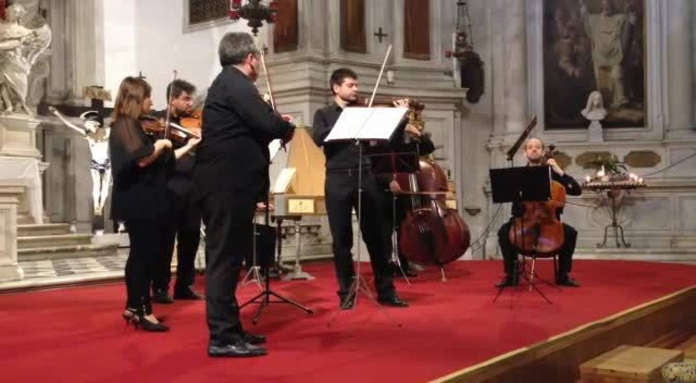 Vídeo mostra concerto de maestro italiano que encantou brasileira