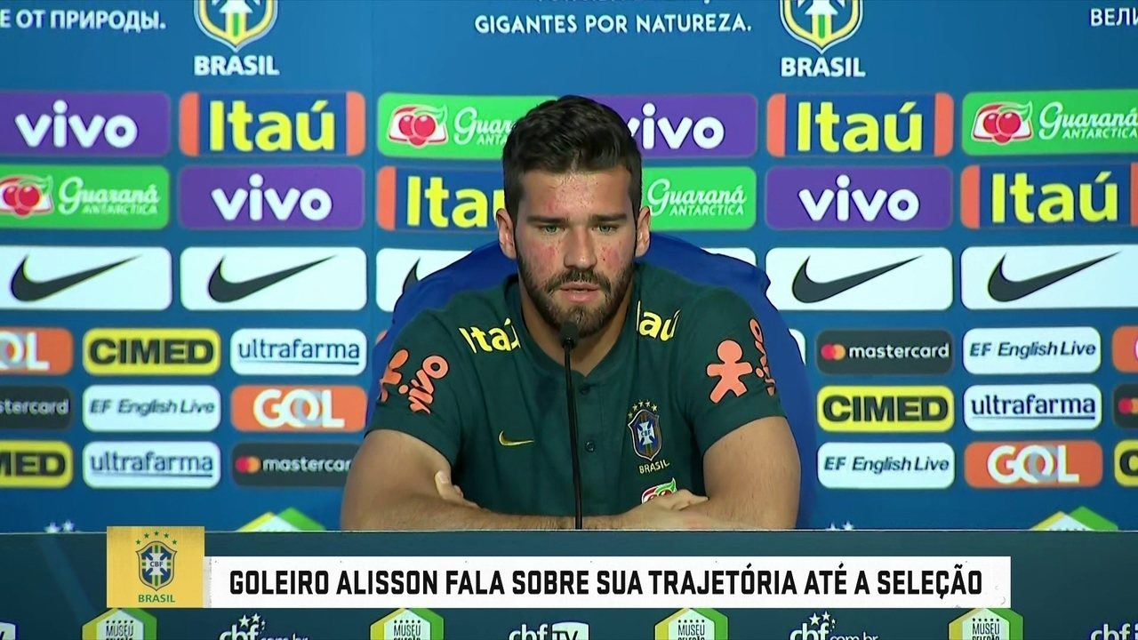 Alisson se diz tranquilo com desconfiança de parte da torcida brasileira com seu trabalho