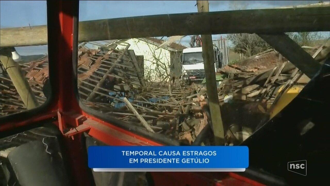 Temporal causa estragos em Presidente Getúlio