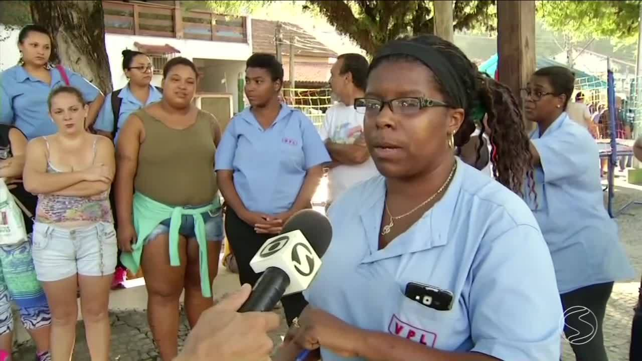 Funcionários de empresa de ônibus paralisam atividades em Paraíba do Sul, RJ