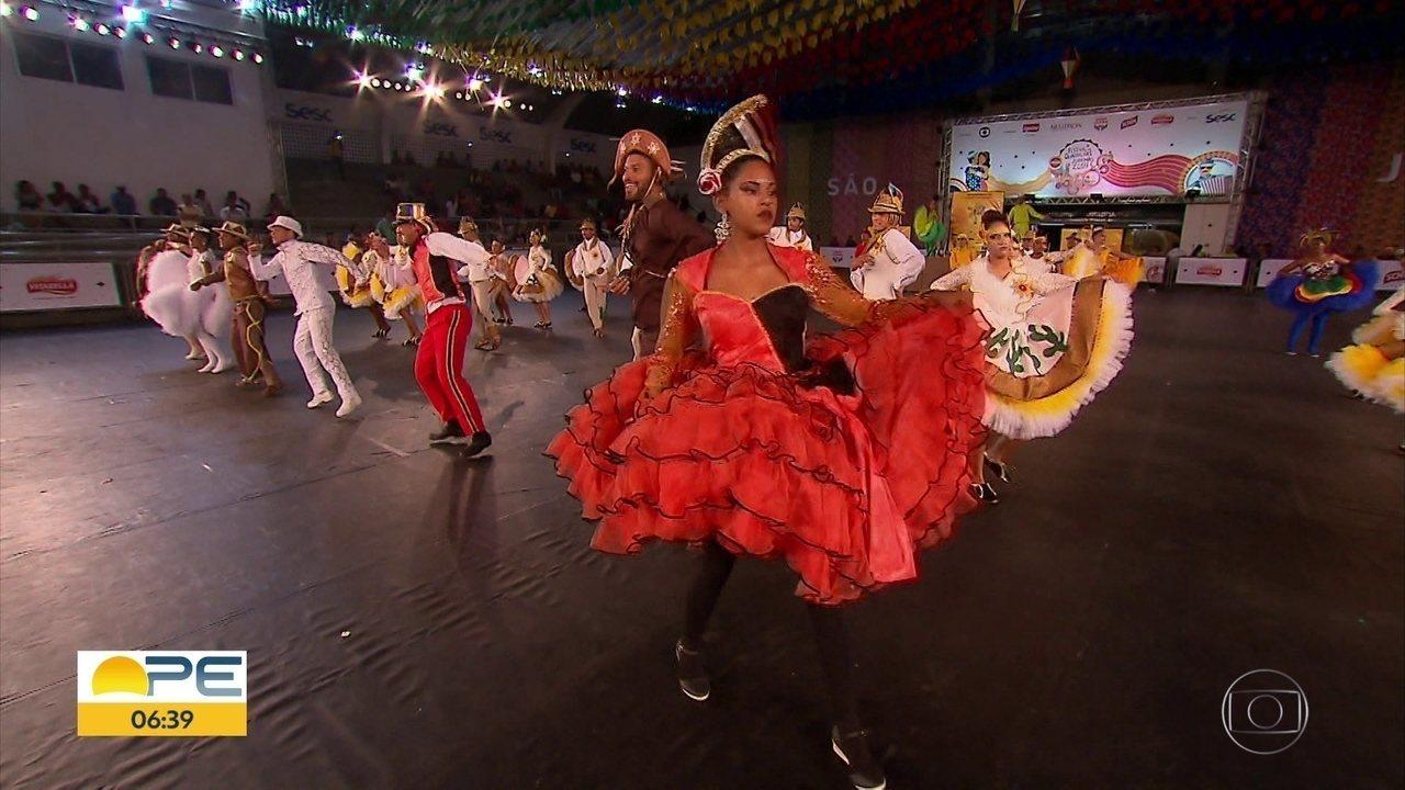 Quadrilhas juninas se apresentam em mais uma rodada da seletiva do festival da Rede Globo