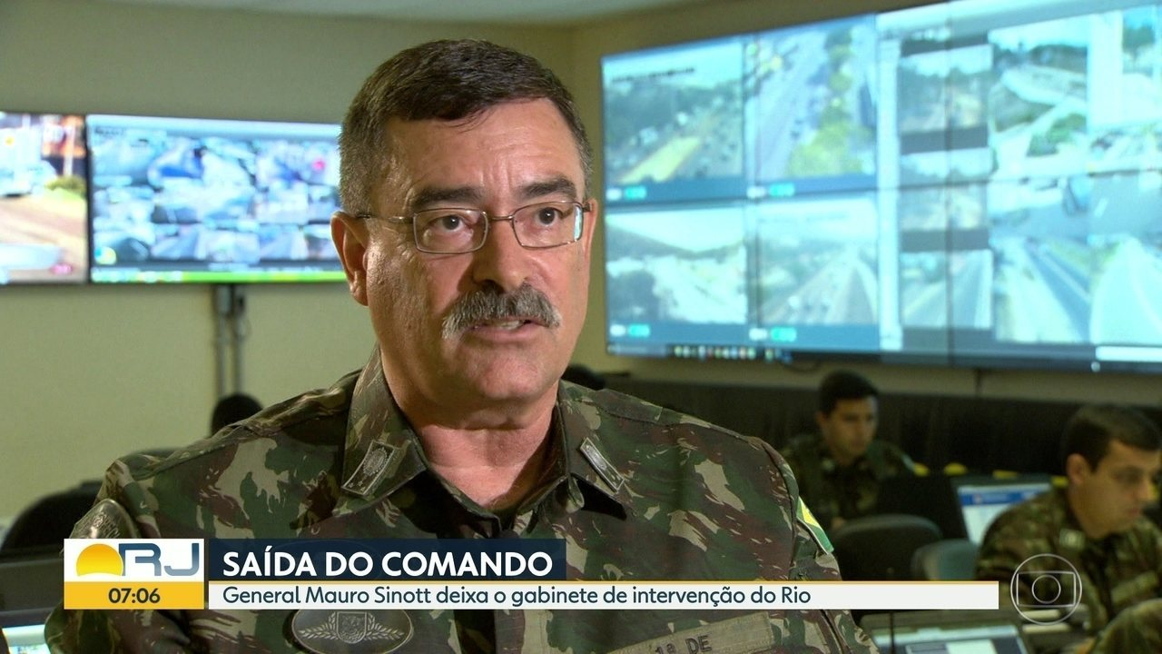 General Mauro Sinotti sai do gabinente de Intervenção