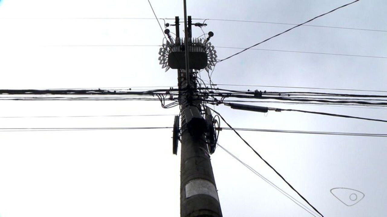 Comerciantes e moradores sofrem com falta de energia em Valparaíso, na Serra
