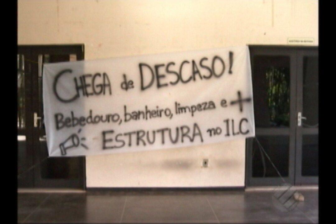 Estudantes de comunicação da UFPA protestam por falta de estrutura no Instituto