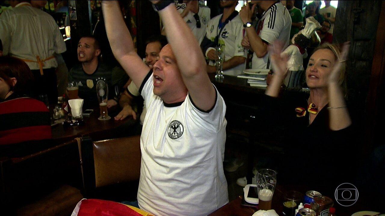 Em mais um dia de Copa do Mundo, torcidas acompanham os jogos das suas seleções em SP