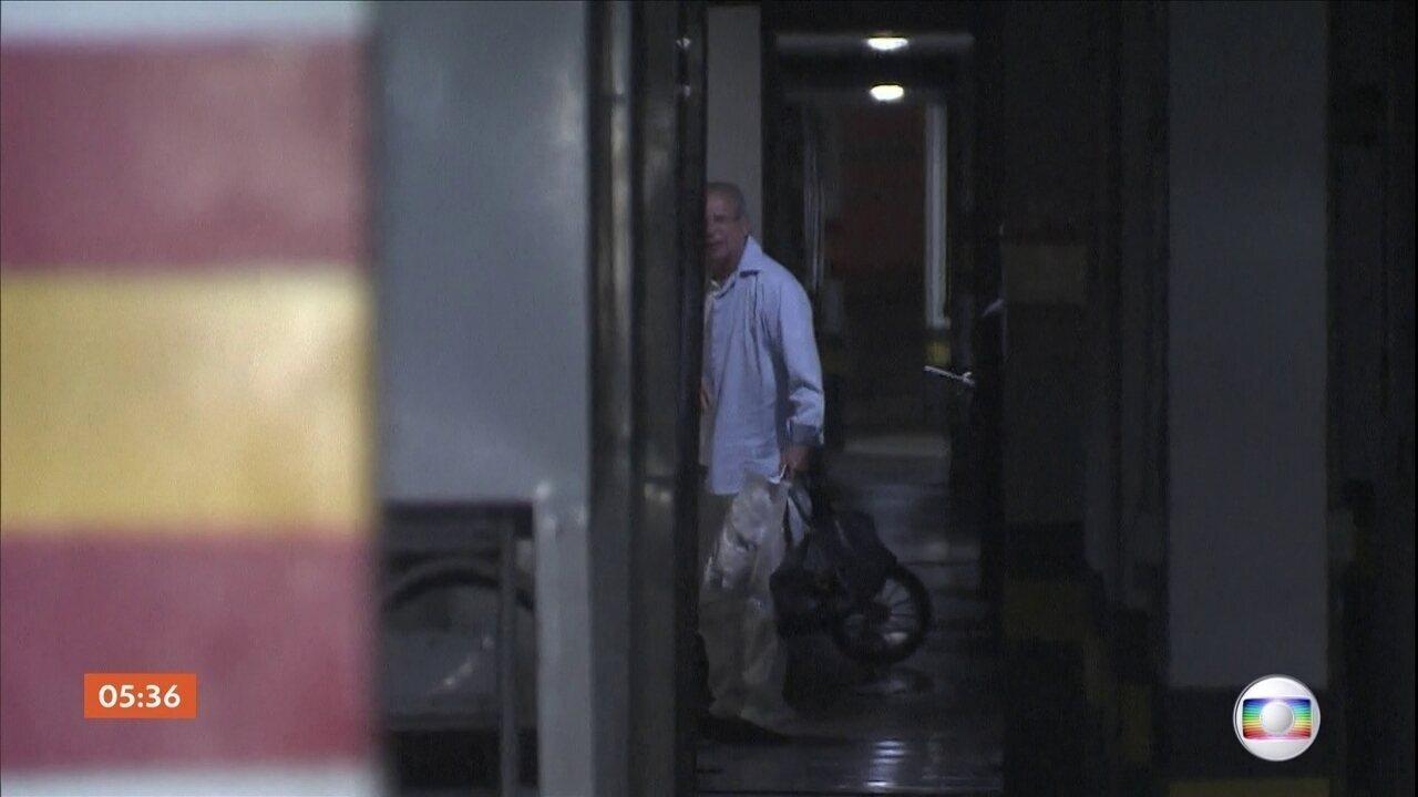 José Dirceu deixa presídio em Brasília (DF)