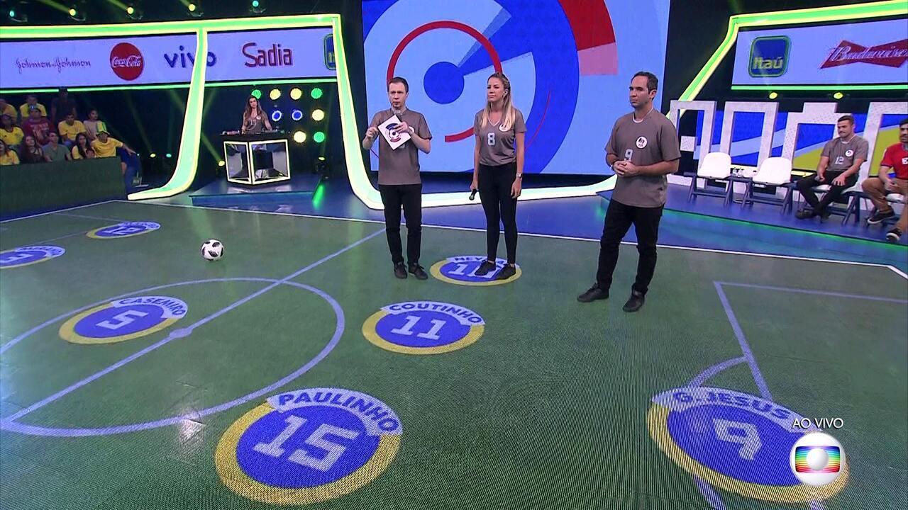 Central da Copa - Íntegra 27/06/2018 - Tiago Leifert e Bárbara Coelho recebem plateia e convidados especiais e mostram tabelas, resultados, estatísticas e vídeos da cobertura de jogos da Seleção.