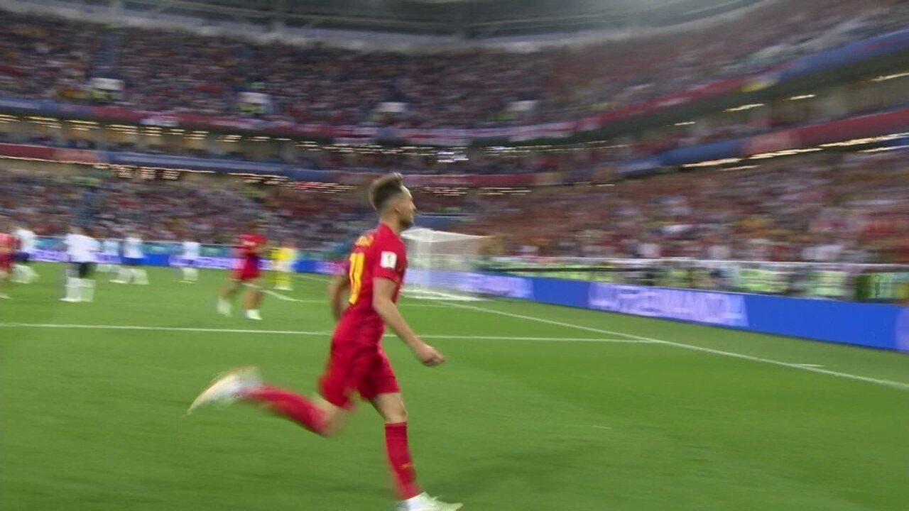 Gol da Bélgica! Tielemans encontra Januzaj, que corta e bate para o gol