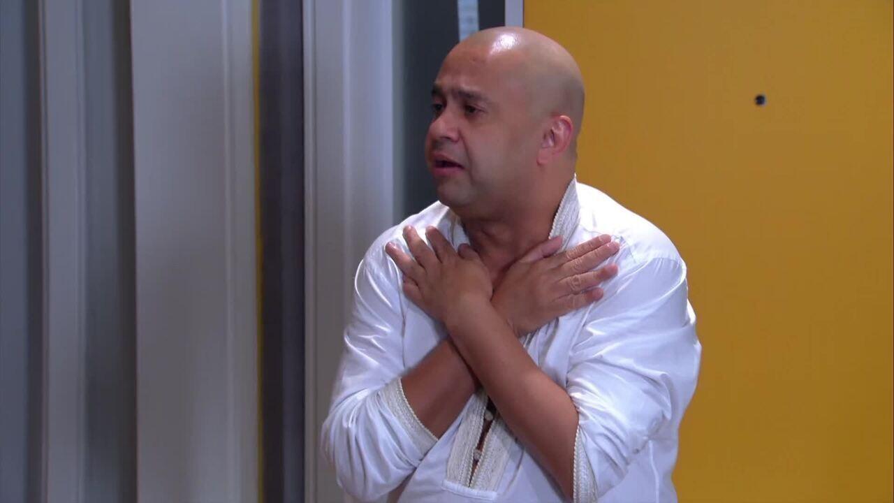 Welder Rodrigues vira budista no período da Copa, no 'Zorra'