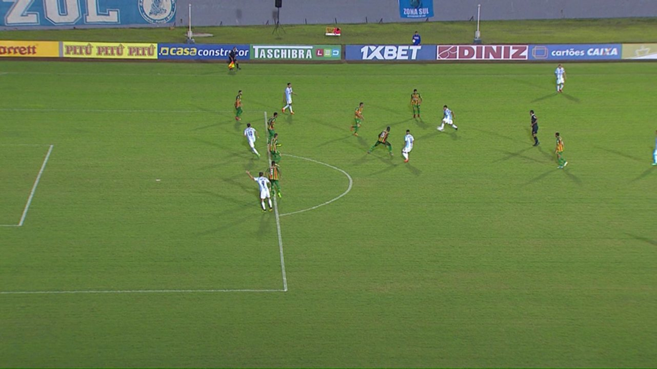 Londrina x Sampaio: Thiago Ribeiro marca em posição legal, mas árbitro marca impedimento