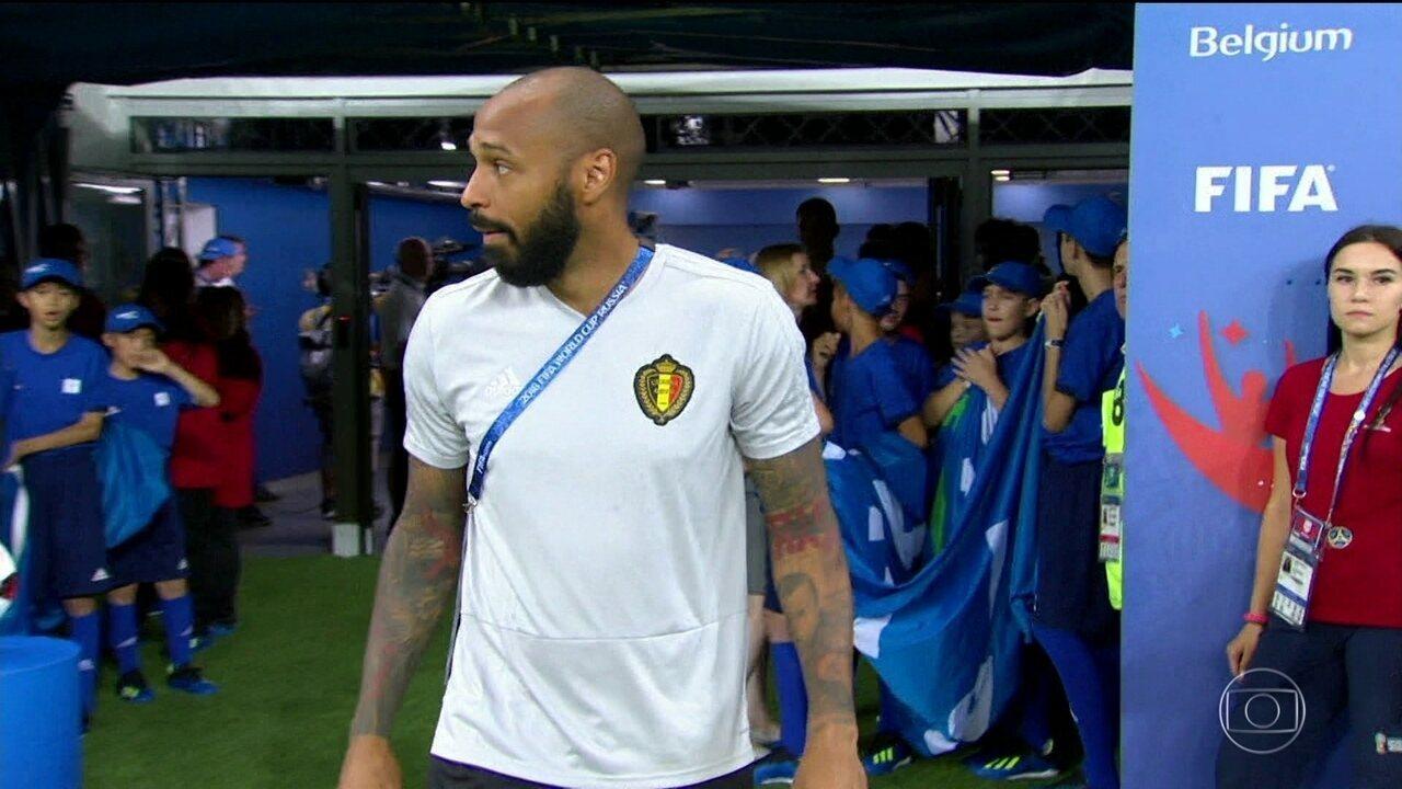 6a17bd806a Craque francês veste as cores belgas como auxiliar técnico da seleção
