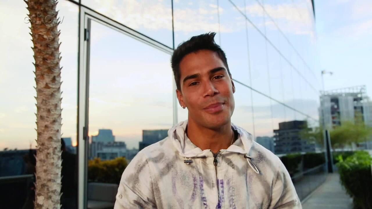 Micael apresenta Lalá de 'O Tempo Não Para'