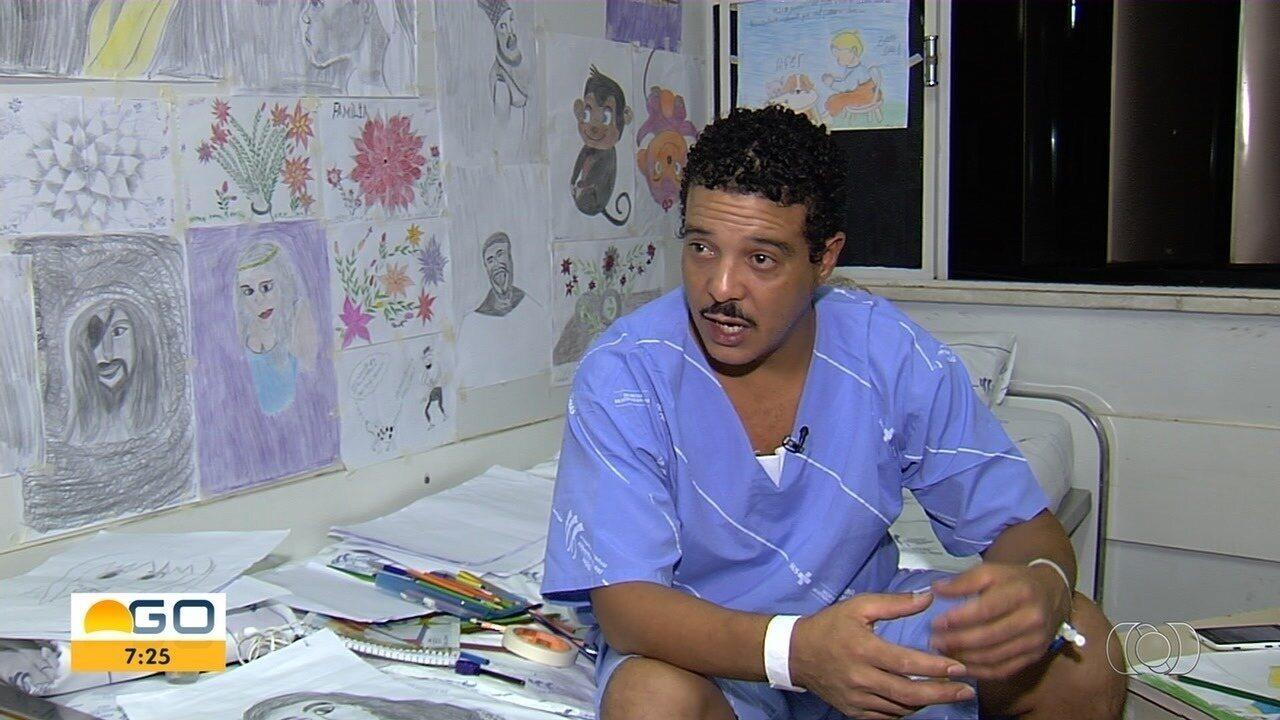 Pacientes de hospital encontram no desenho uma forma de aliviar a dor, em Goiânia