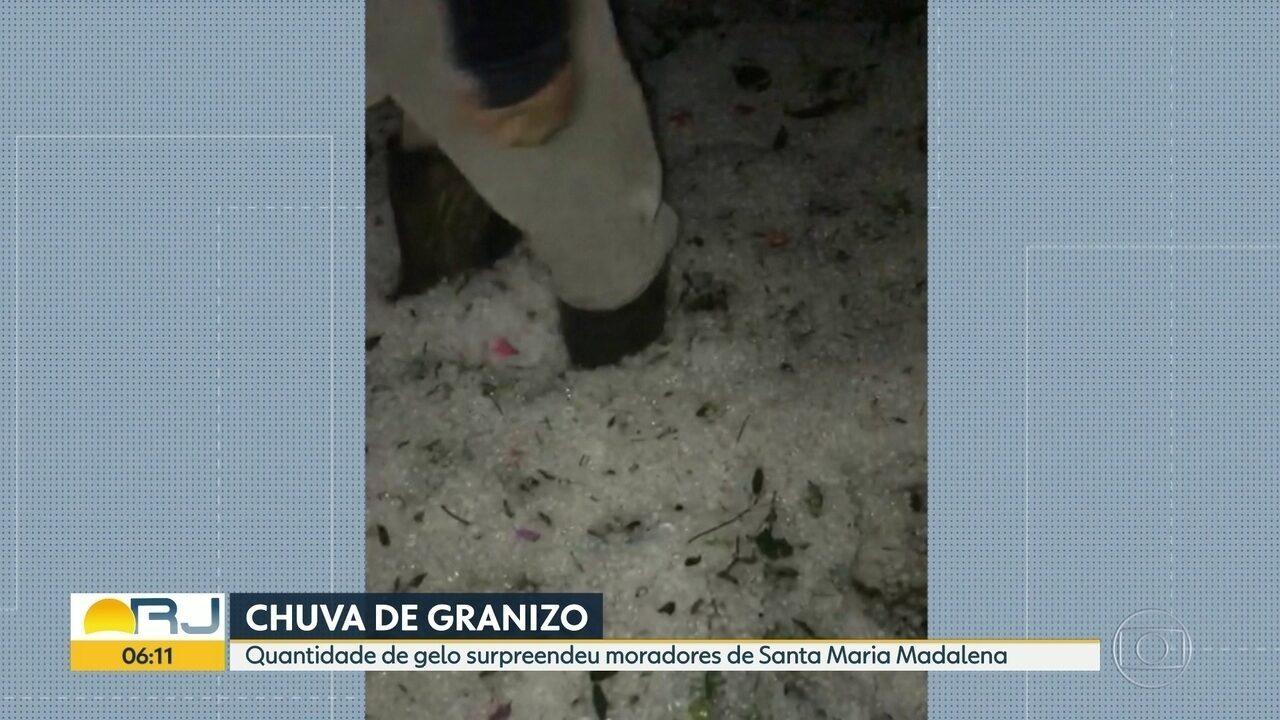 Chuva de granizo surpreende moradores de Santa Maria Madalena, na Região Serrana
