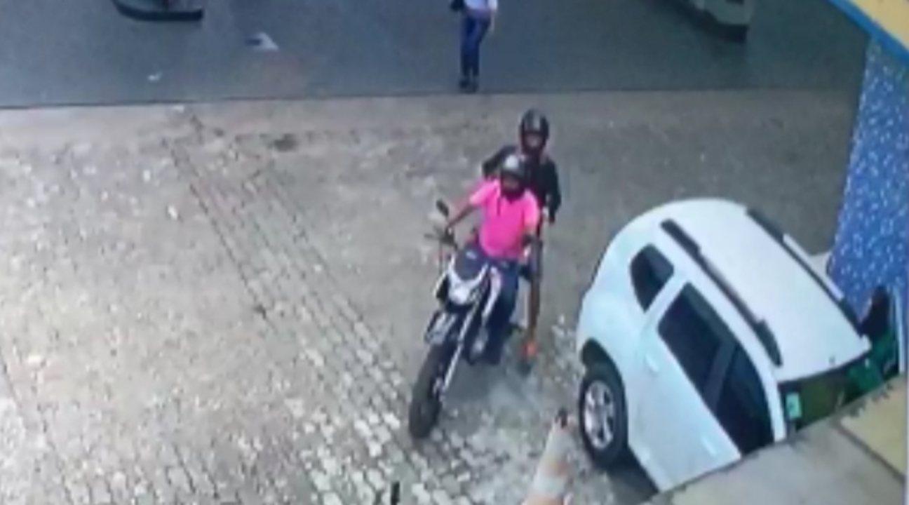Câmeras flagram assaltantes levando quase R$90 mil de correspondente da Caixa no Pará