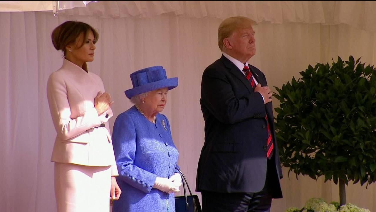 Trump é recebido pela Rainha da Inglaterra