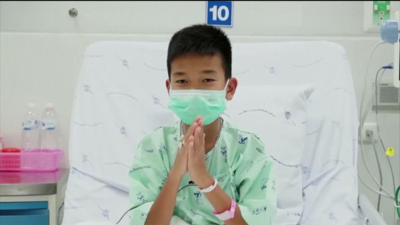 Governo da Tailândia divulga novas imagens dos meninos resgatados de caverna
