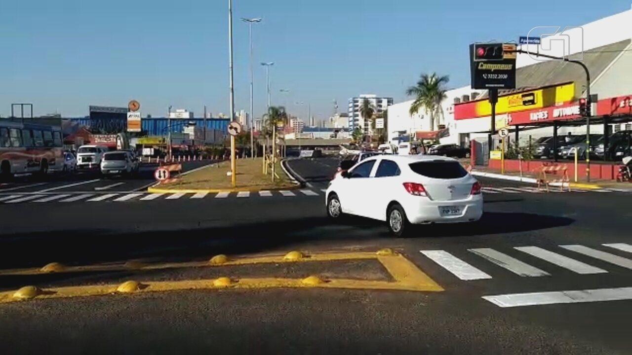 Trânsito é desviado em trecho da Nações Unidas interditado por causa de obras em Bauru