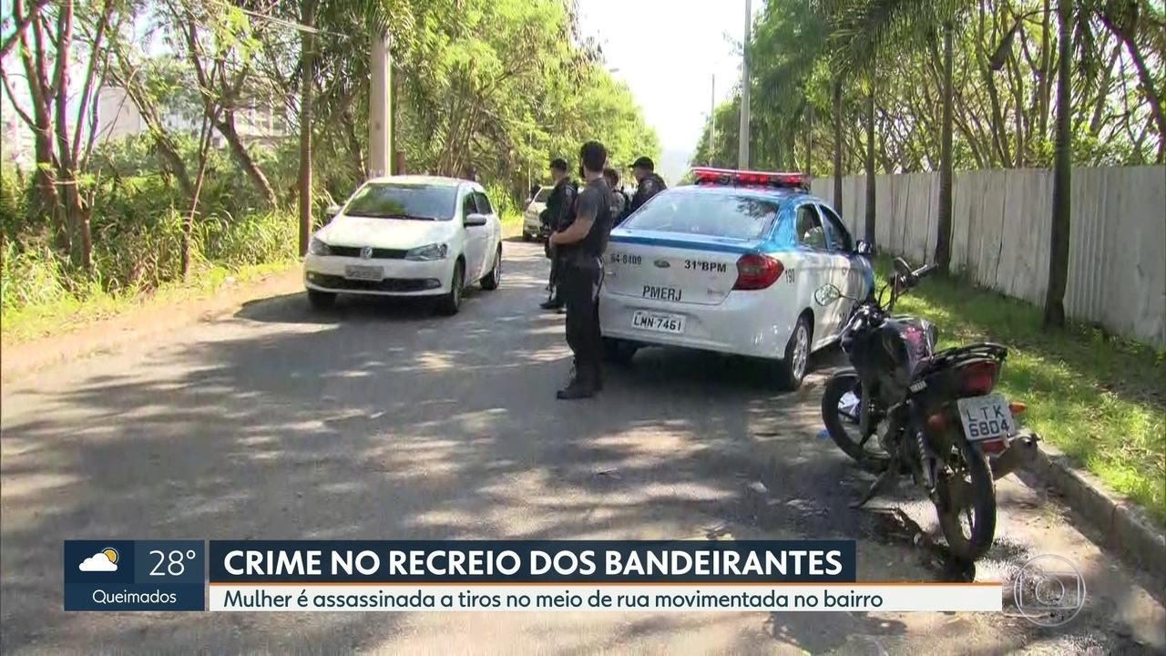 87acec88303 Mulher é assassinada a tiros em rua movimentada do Recreio dos Bandeirantes