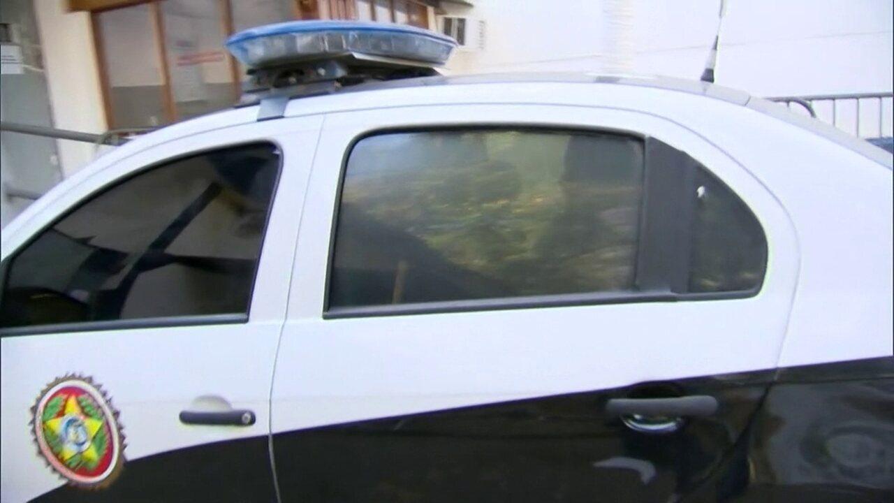 Namorada do médico Denis Furtado é presa no Rio de Janeira