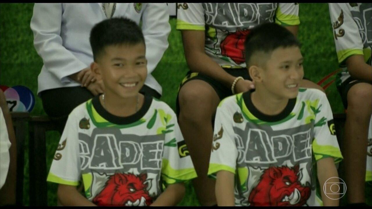 Em coletiva, meninos da Tailândia contam vontade em virar mergulhadores após resgate