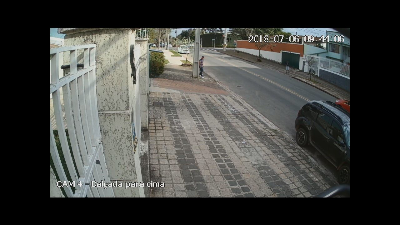 Vídeo mostra ex-pastor roubando carro e assaltando banco, diz polícia; assista