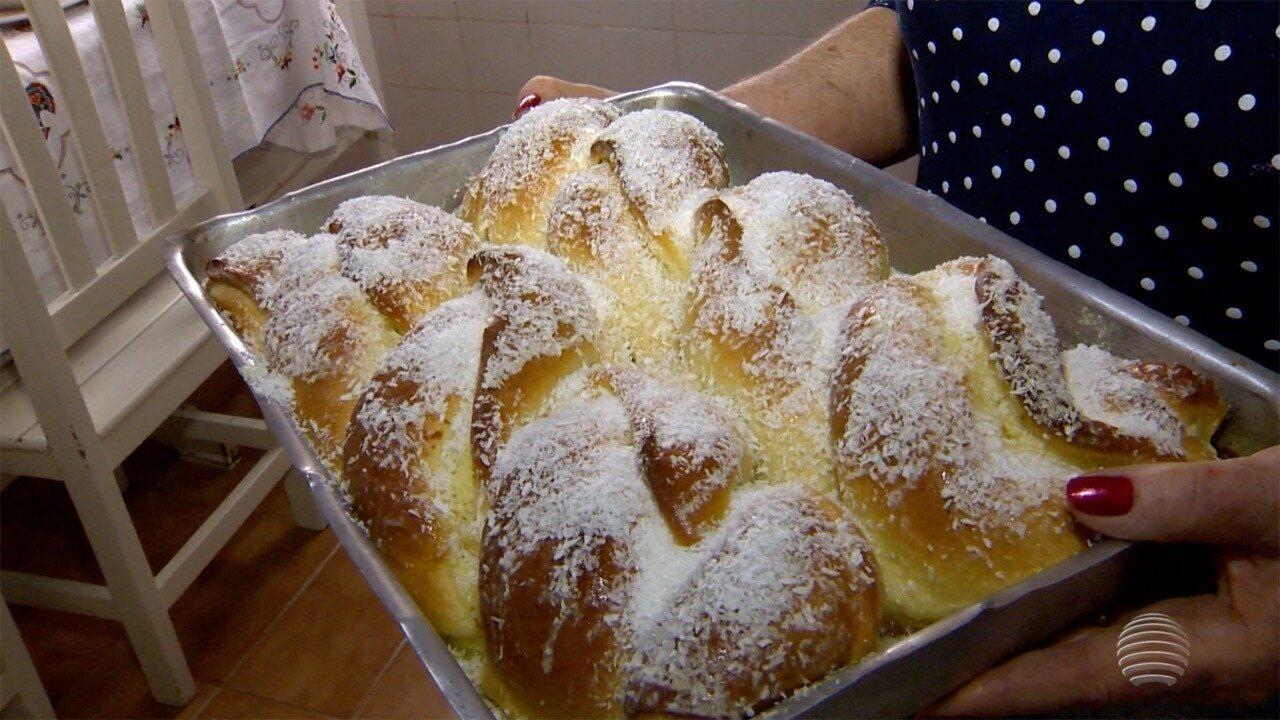 Moradora de Dracena ensina a preparar uma rosca de ricota