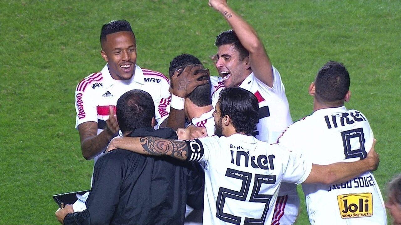 Os gols da vitória do São Paulo sobre o Corinthians no Morumbi 4bc119cc872cd
