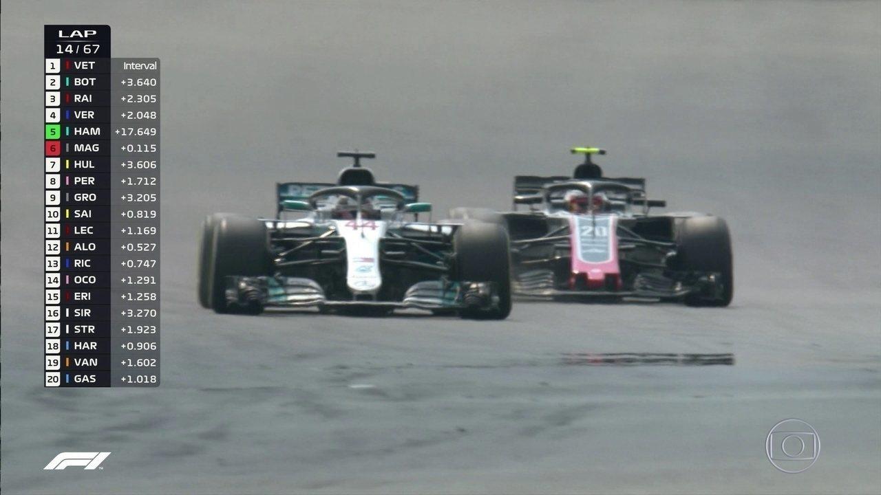 Hamilton passa por Magnussen e já está em 5º no GP da Alemanha