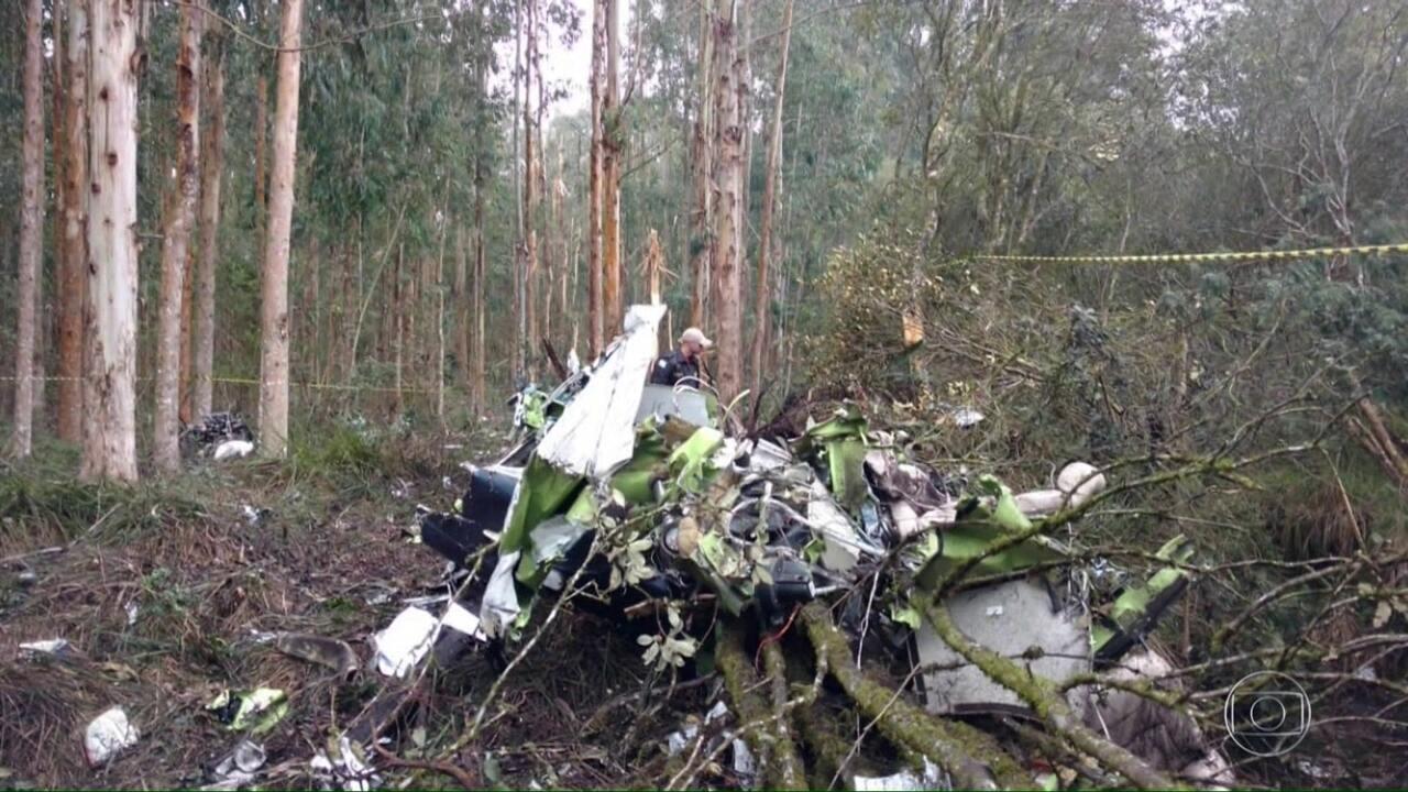 Deputado estadual Bernardo Ribas Carli e dois pilotos morrem em queda de avião