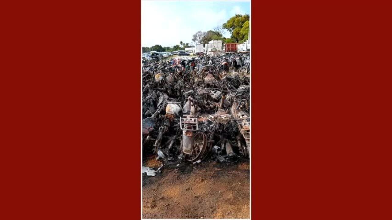Mais de 150 veículos são incendiados no pátio do Detran no Ceará