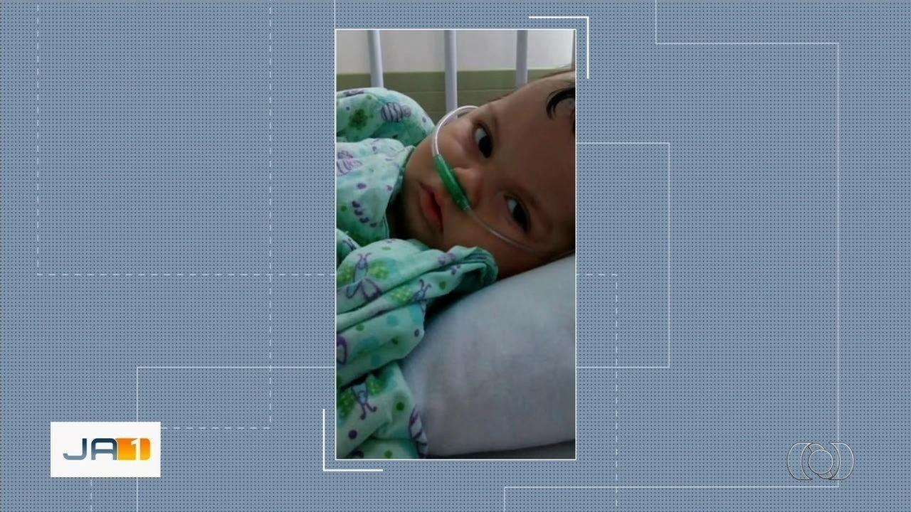 Resultado de imagem para Suspeita de usar foto de bebê morto para pedir dinheiro na rua ameaça mãe da criança