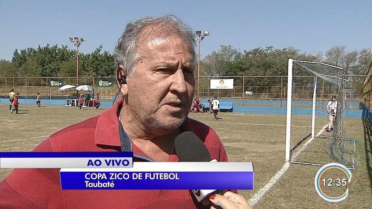 Zico esteve em Taubaté nesta sexta-feira, 27
