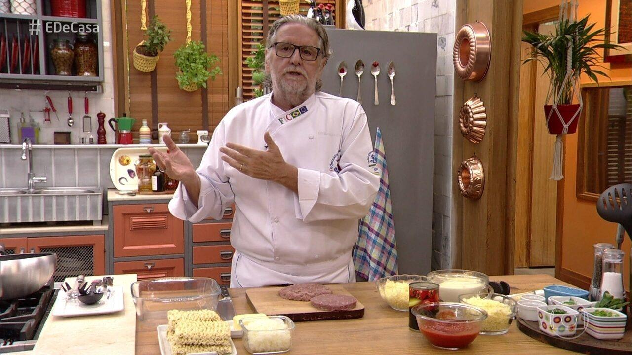 Toque do Ravioli: Chef ensina a fazer receitas com macarrão instantâneo