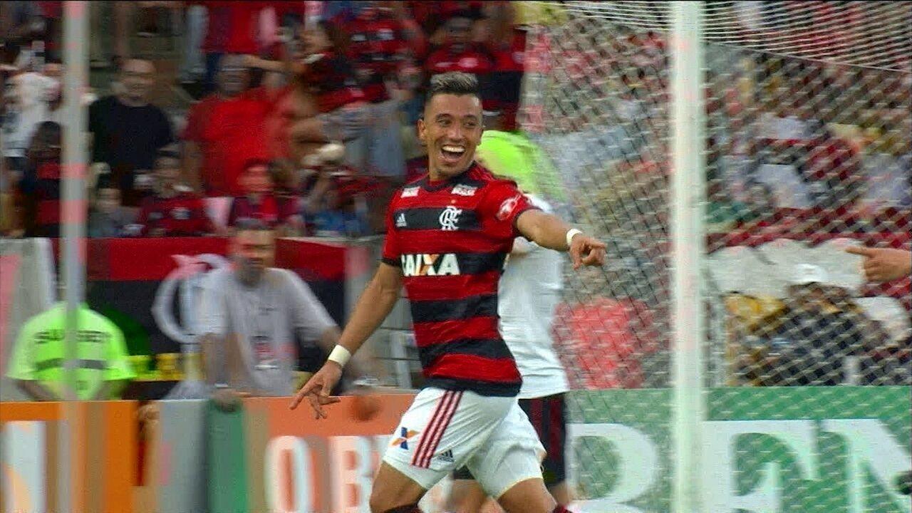 GOOOL do Flamengo! Uribe chuta de esquerda e Magrão falha aos 18' do 2T