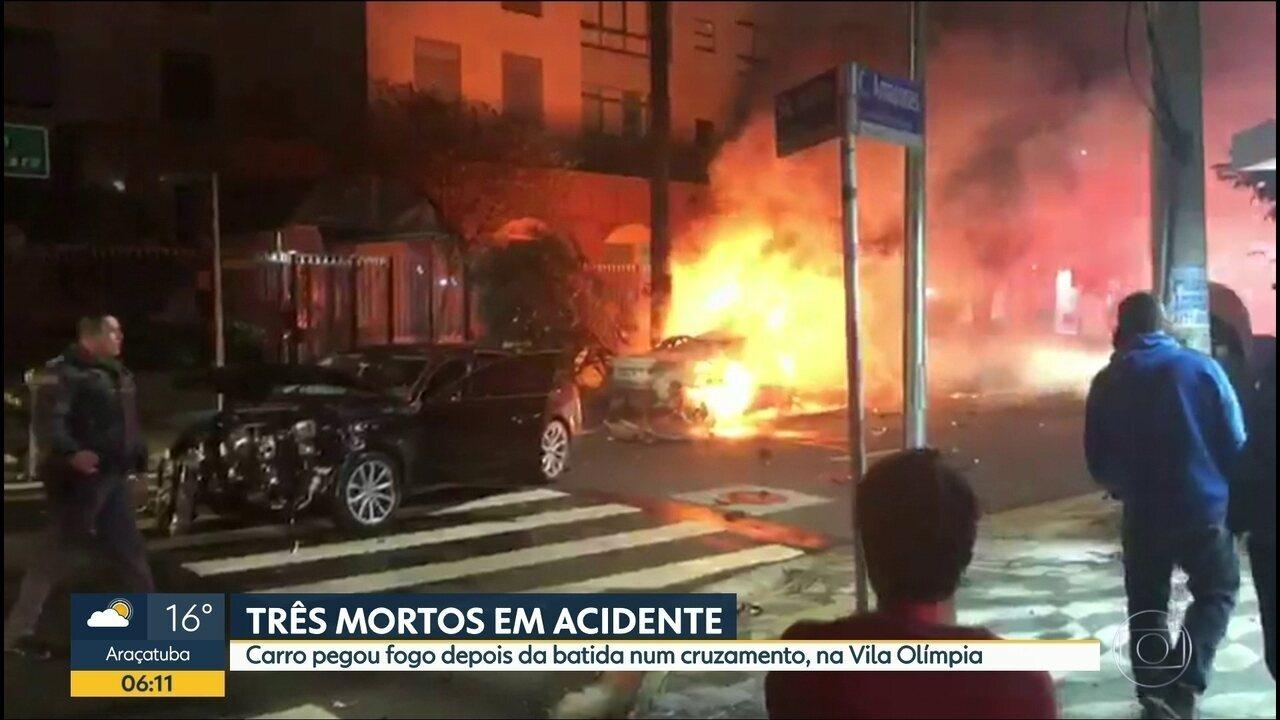 Colisão deixa 3 mortos carbonizados em SP