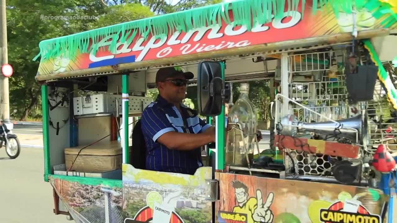 Ambulanches: seu Vieira faz sucesso com caipirinhas na sua 'caipimoto'
