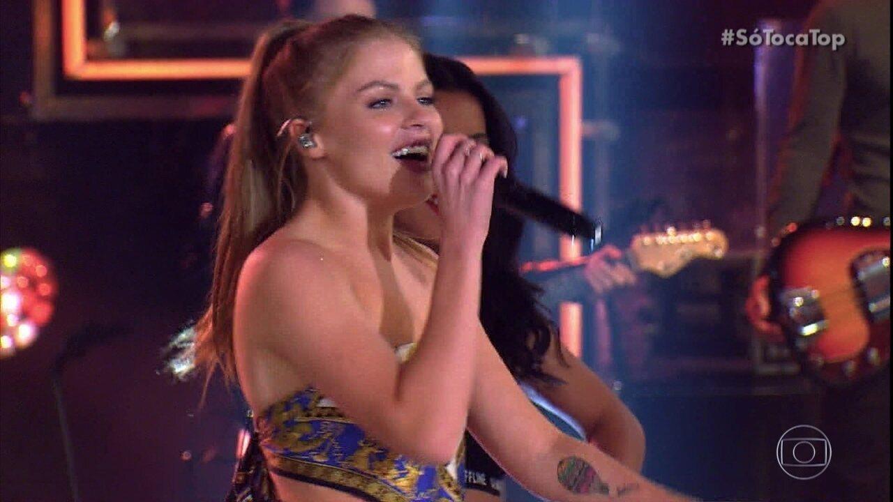 Luisa Sonza canta 'Devagarinho' como Aposta no 'SóTocaTop'