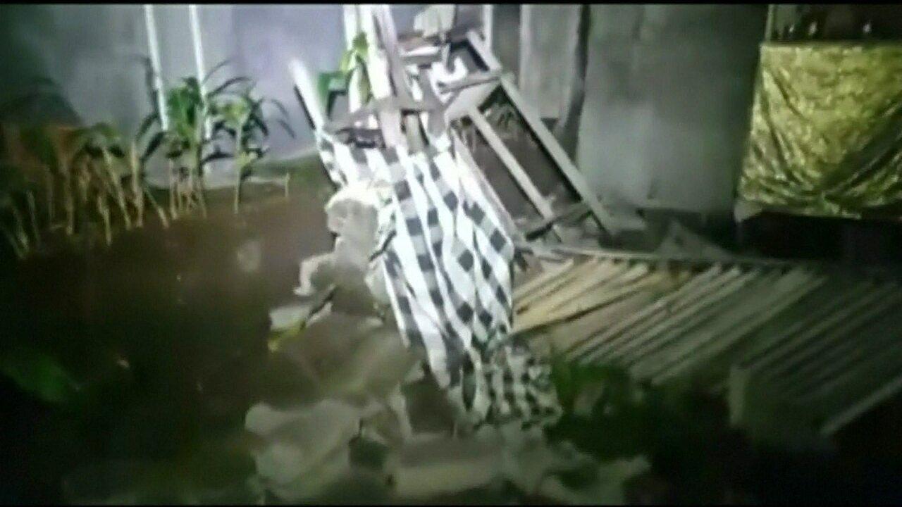 Sobe pra 82 o número de mortos em terremoto na Indonésia