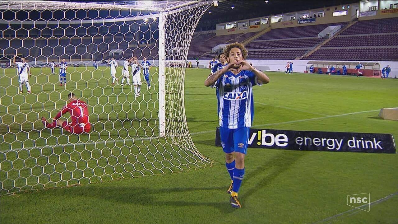 Guga marca no fim e Avaí busca empate contra a Ponte Preta
