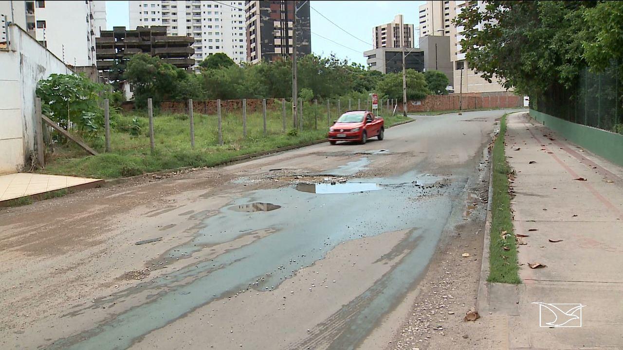 Pontos de esgoto são flagrados em área nobre em São Luís