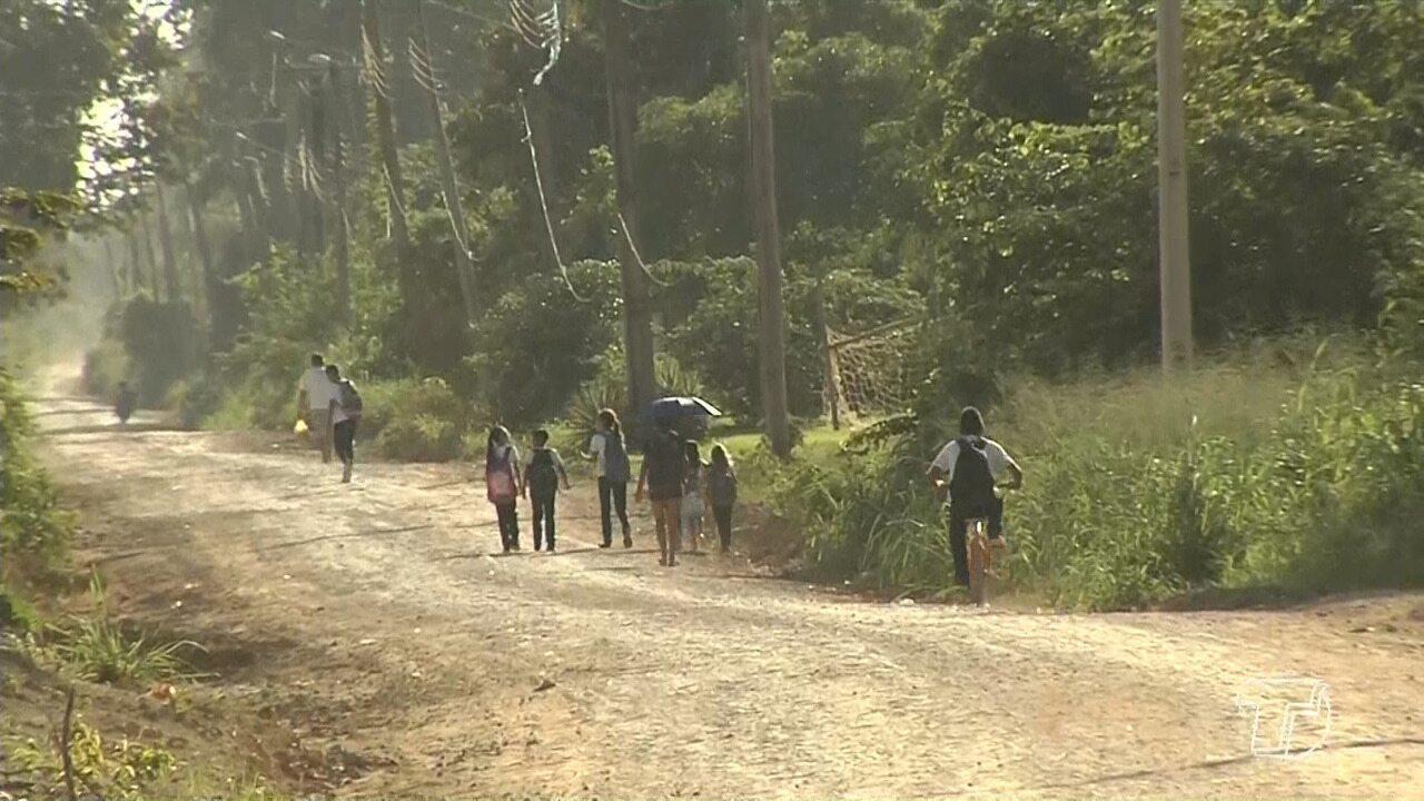 Aulas iniciam, mas alunos da comunidade Cipoal ficam sem transporte escolar