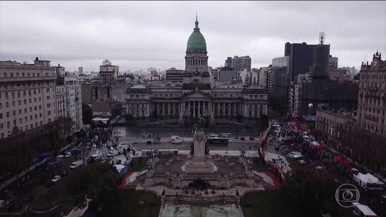 Senado argentino rejeita projeto de lei para legalizar aborto no país